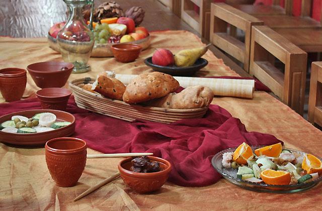 Snack in der Antike - Römische Mahlzeit
