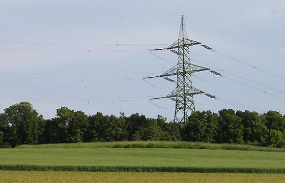 Strommast einer Hochspannungsleitung - Nö