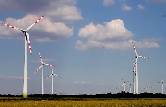 Windkraftanlage - Erneuerbare Energieträger haben Zukunft!