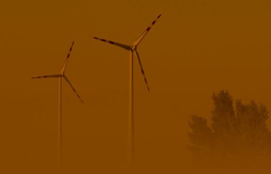 Frühmorgens im Windpark