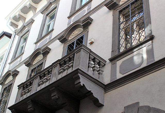 Bozen - Altstadt: Kultivierte Bürgerhäuser, Fassaden