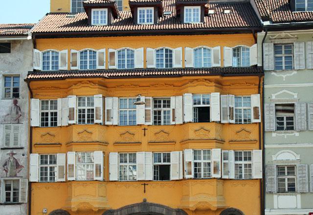 Bozen: Die romantische Altstadt mit bunten Bürgerhäusern