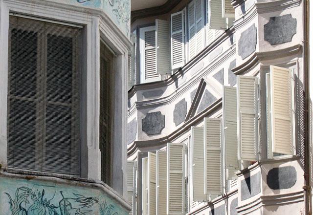 Bozen: Häuserfassade in der Altstadt