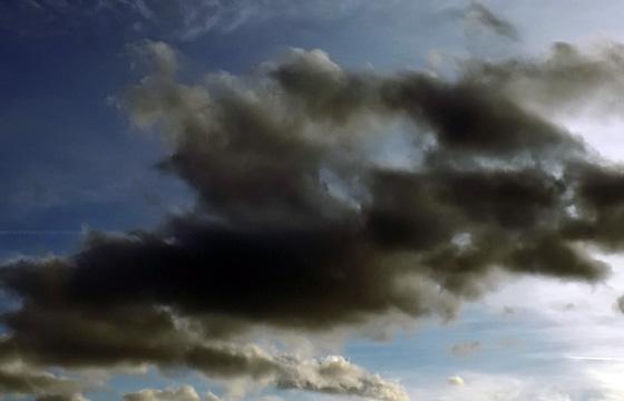 Bedrohliche Wolkenstimmung am Himmel: Wetterumsturz?