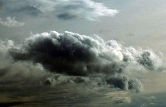 Dicke schwarze Wolke - Regenwolke - Gewitterwolke