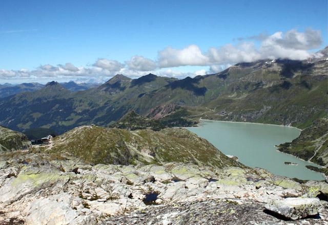 Tauernmoos-See mit Bergpanorama