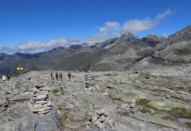 Wanderer am Medelzkopf / Weißsee Gletscherwelt