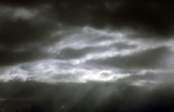 Loch in der Wolkendecke