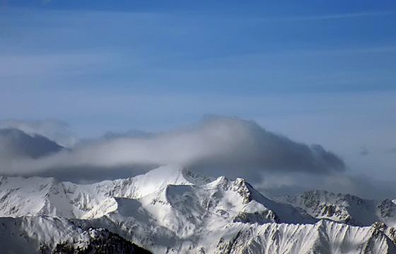 Wolkenwand über dem Alpenhauptkamm