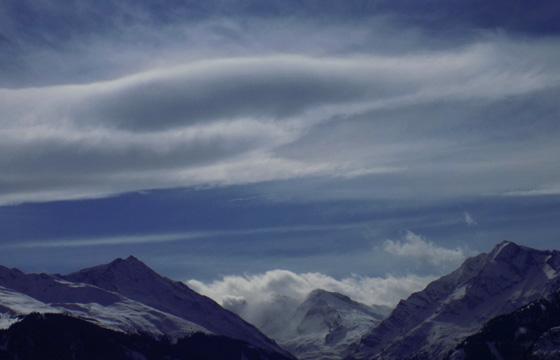Wetterscheide Hohe Tauern: Wolken bilden eine Wetterfront