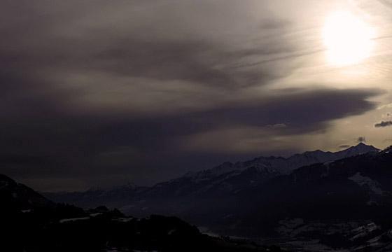 Wetterfont über dem Pinzgau - Schlechtwetter garantiert!