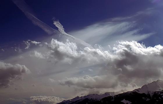 Wetterfront über dem Alpenhauptkamm