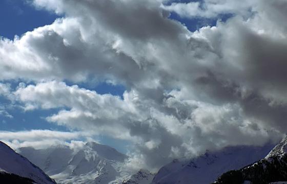 Aufkommende Wetterfront über den Hohen Tauern