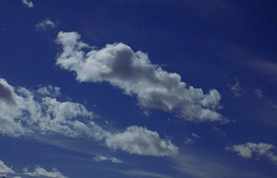 Wolken am blauen Himmel - Hochdruck / Schönwetter!