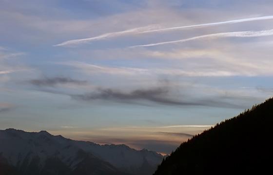 Wolken am abendlichen Himmel
