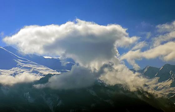 Bizarre Wolkenformation über dem Pinzgau