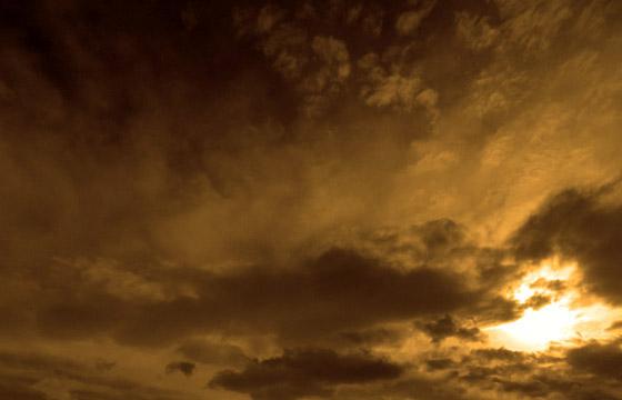 Wolkenformation im Abendlicht